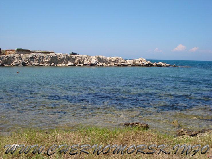 ФОТО отчёт - пгт Черноморское пляж и скалы Ребзик Крым Западный берег мыс Тарханкут